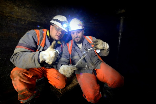 Employees of Installatiebedrijf SPIE Nederland in the Velser Tunnel
